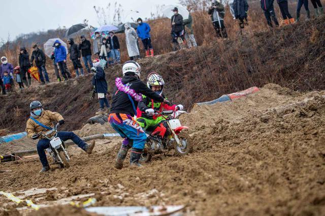 画像2: ルール無用のなんでもレース、とにかく楽しい! 「ZANTETSU CREWミニモトリレー」