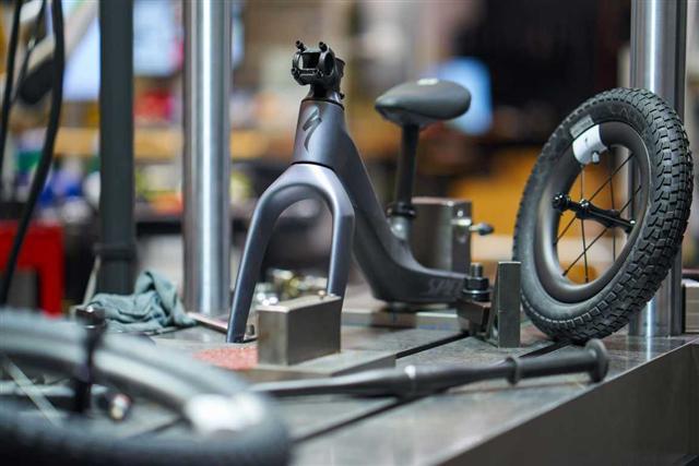 画像3: ファーストバイクにフルカーボンの贅沢を