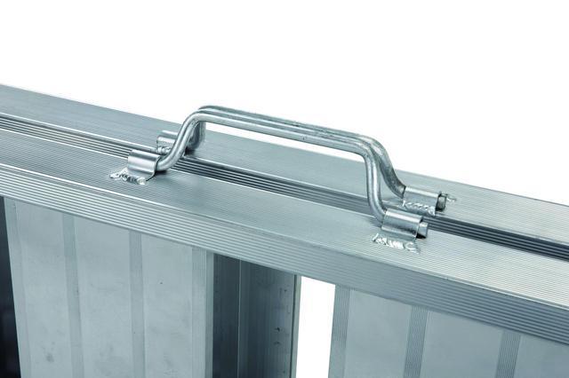 画像3: アルミ加工のプロフェッショナルが作った超軽量ラダー