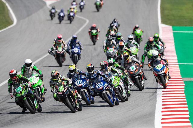 画像1: 予選タイムが決勝に響くロードレース、横一列スタートで実力勝負のモトクロス。