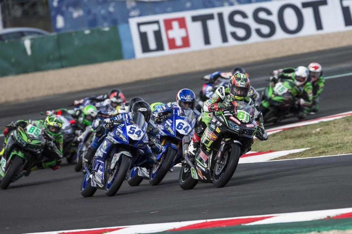 画像1: シーズンは長いが1レースは短いモトクロス、シーズンは短いがレースウ ィークが長いロードレース。