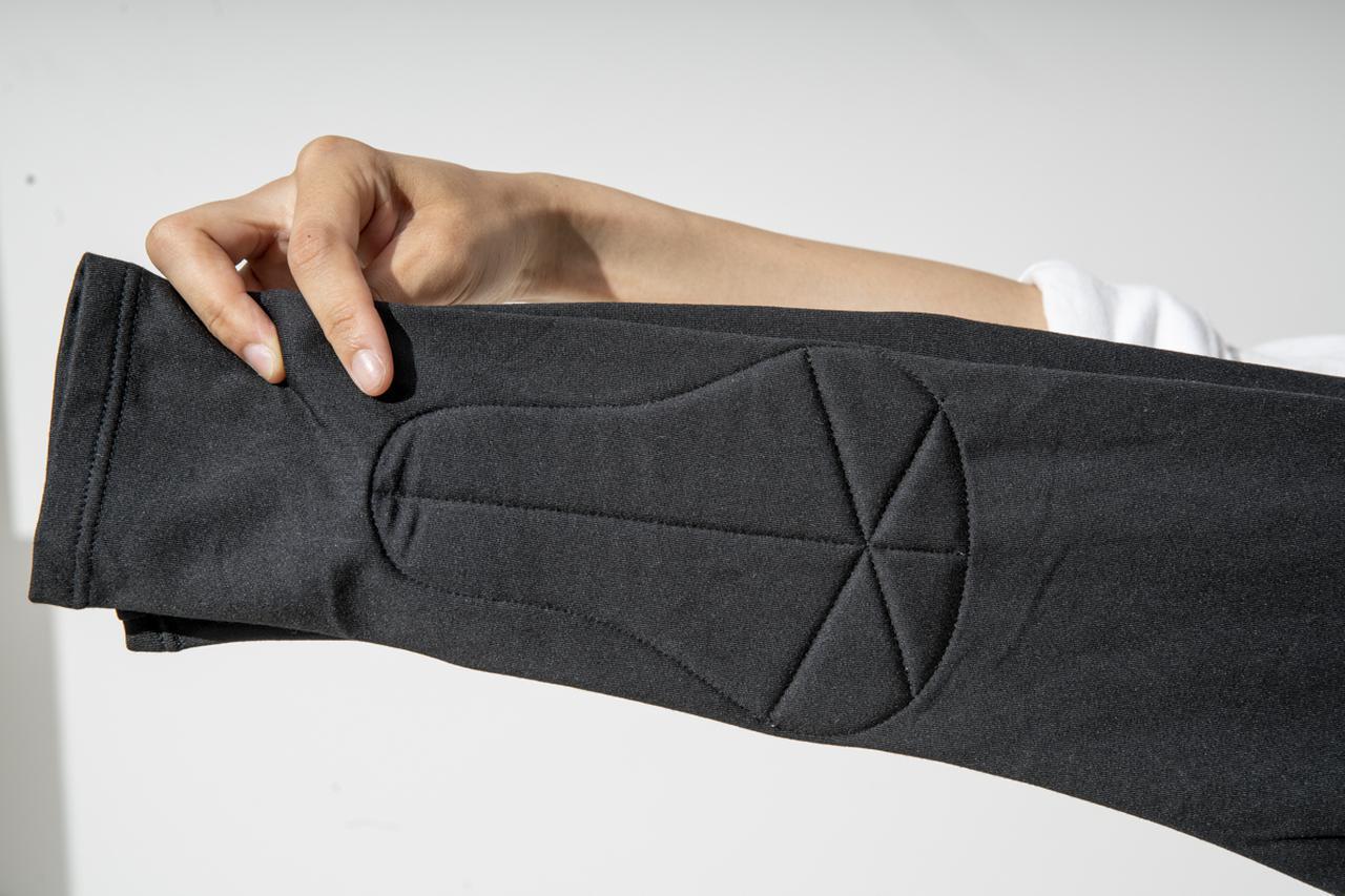 画像: ネオフィットシャツのパッド部分(肘)