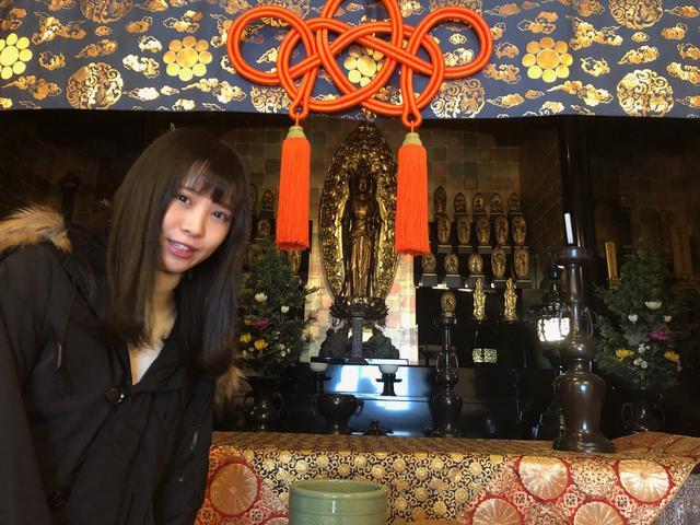 画像: ご本尊の十一面観音菩薩です。脇仏には三十三体の観音菩薩などが祀られています