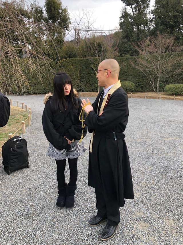 画像: 平等院ご住職  神居文彰さんに案内していただきました。