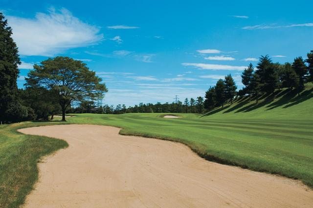 画像: 美しい景色が広がる三島ゴルフ倶楽部、涼しい朝にスループレー