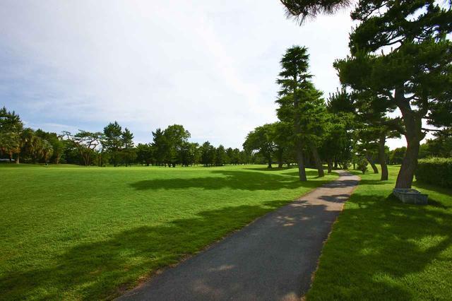 画像: 河川敷の林間コース、浦和ゴルフ倶楽部