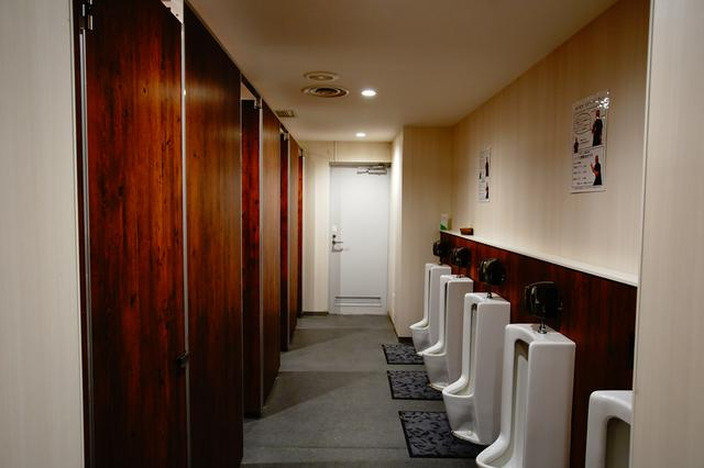 画像: 男性用トイレ