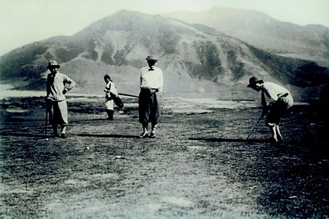 画像: 大正時代のゴルファー