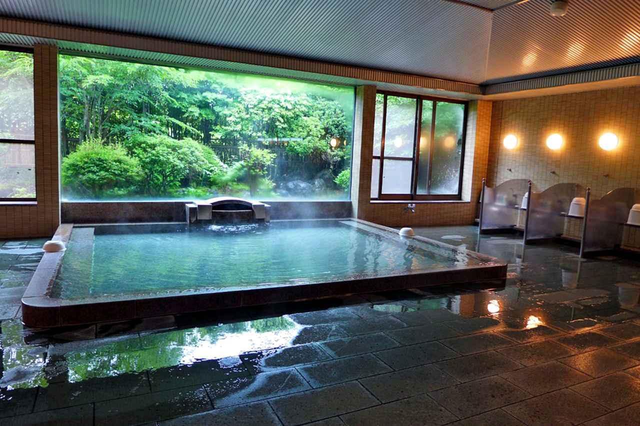 画像: プレーの疲れを癒してくれる湯加減最高の大浴場