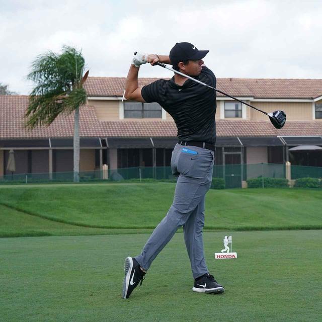 画像7: 【ローリー・マキロイ】現代版ドローヒッターの基準! 右足に体重を残し、右足の上で体を回して球をとらえる!