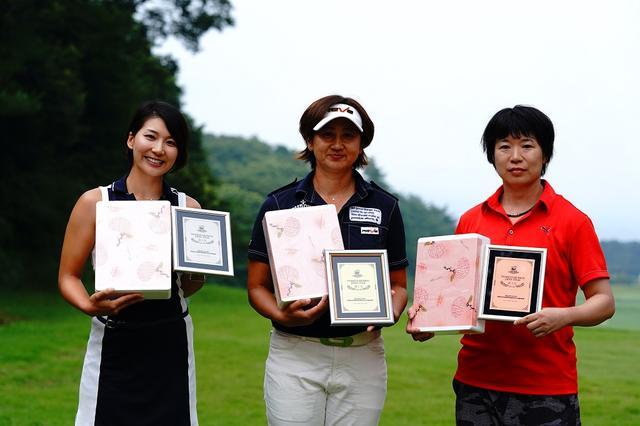 画像: 「WOMENS DIVISION / ウィメンズ」左より第2位 杉山美帆、第1位 齊藤かおり、第3位 山添 麗子