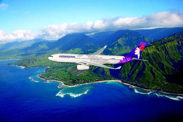 画像: 往復はもちろんハワイアン航空