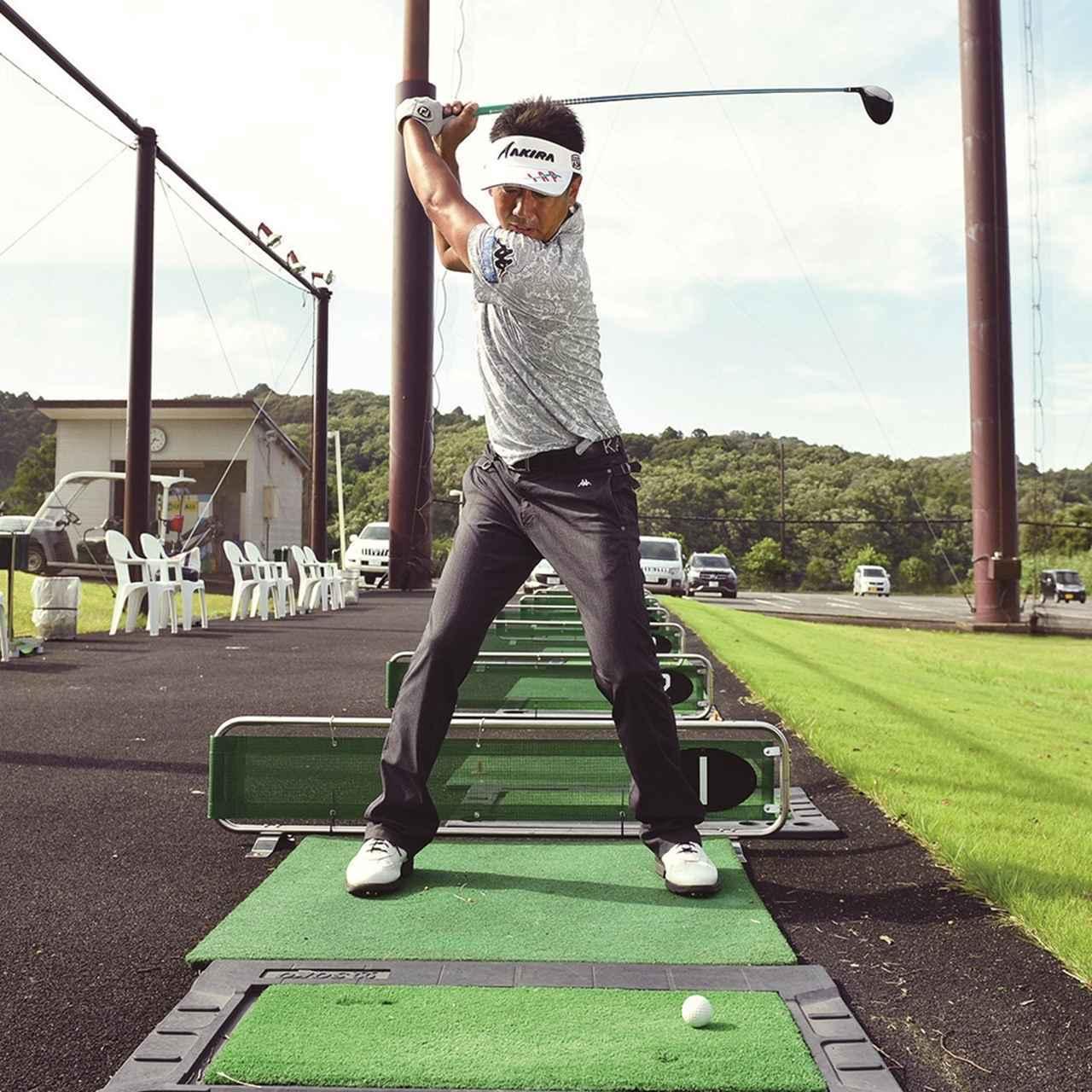 画像3: 【夏ゴルフ】ラフからのフェアウェイウッドはバンカーショットの要領で打つ!