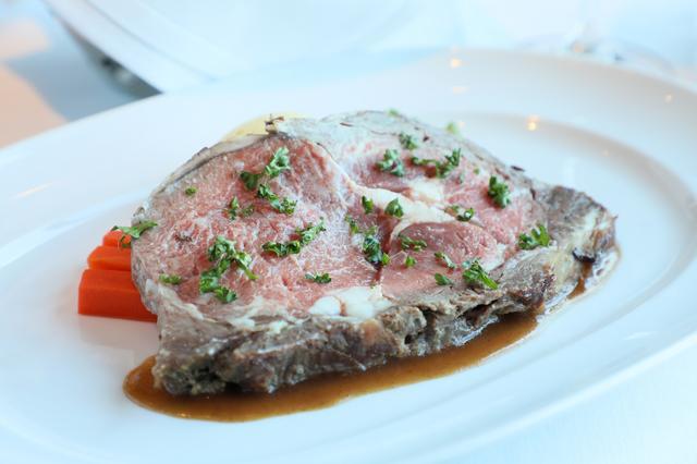 画像: 「プライム・リブ・ステーキ」は柔らなくしっかりとした味わい!
