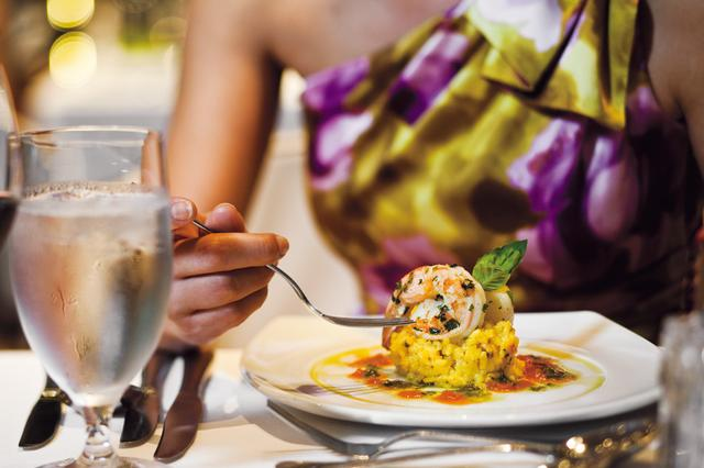 画像: 伝統とモダンが融合した食【Dining】