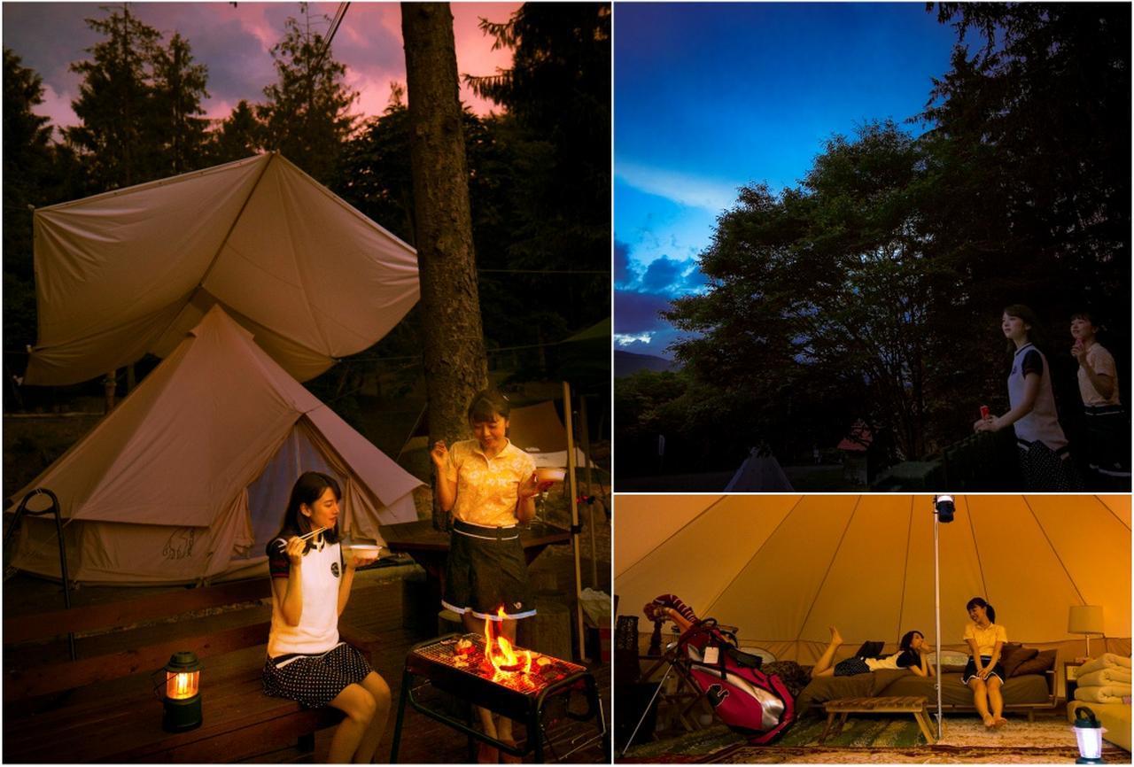 画像: バーベキューはスタッフが火を起こしてくれるので初心者でも安心。テントの中はホテルのように快適だ