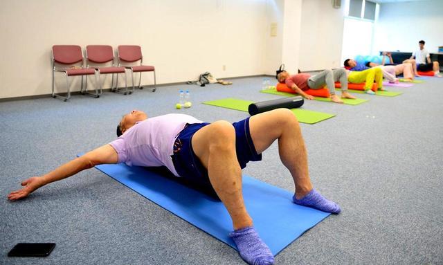 画像: 体をほぐし、疲れを残さない。青木功式エクササイズをマスター