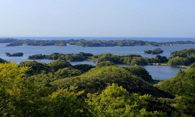画像: 松島の風景。大小260の島々が浮かぶ