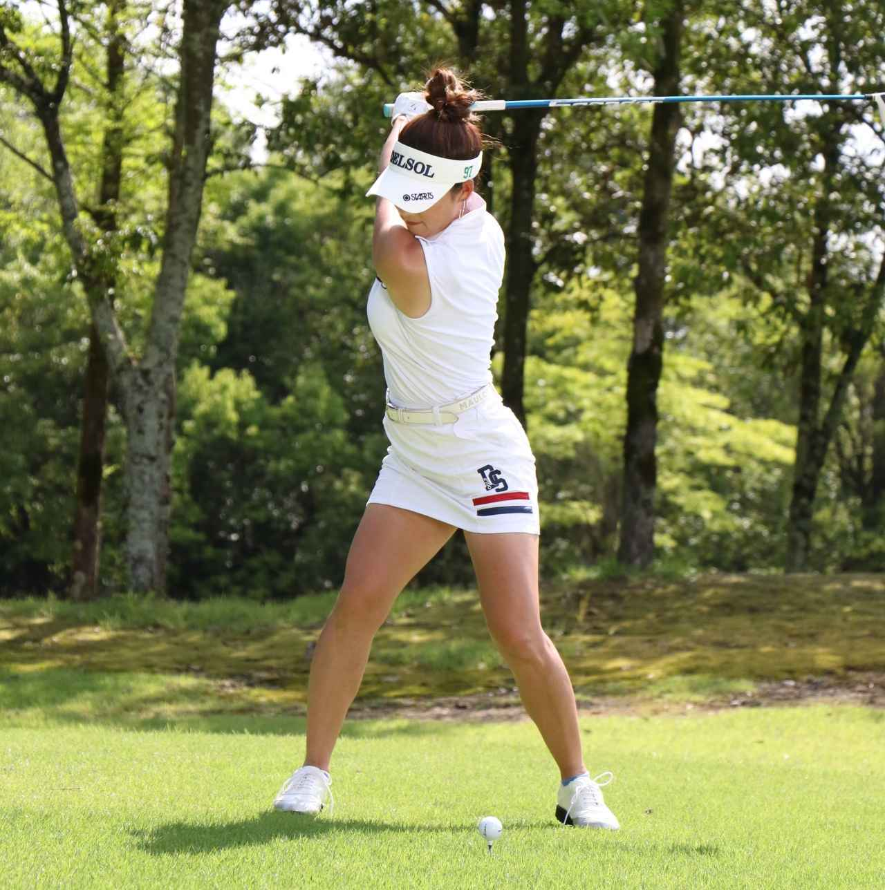 画像2: 【女子プロ百花/兼岩美奈】ガンガン攻めるゴルフが信条です。お団子ヘアを見つけたら応援よろしくお願いします!