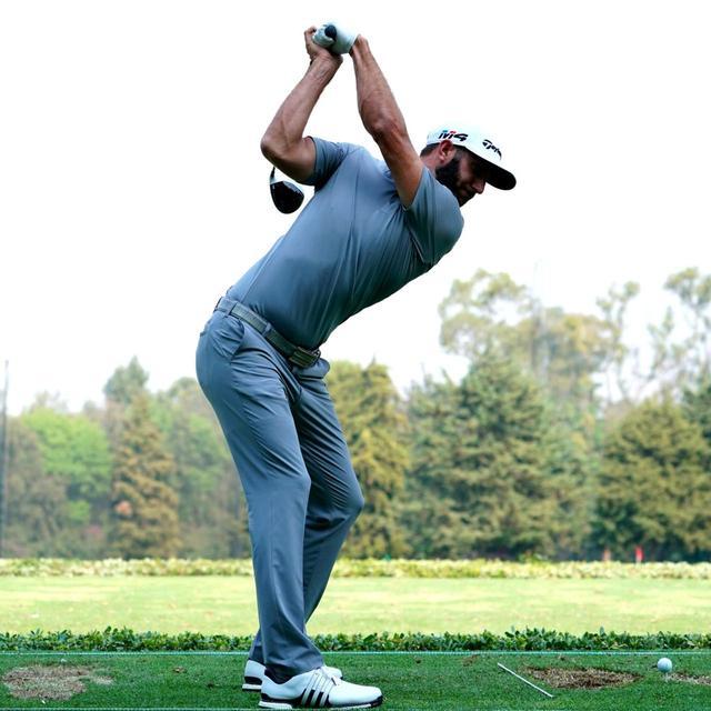 画像: 右ひざを伸ばすようにトップ