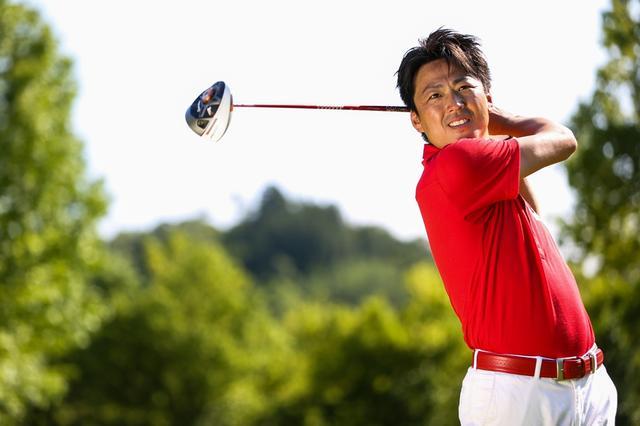 画像: 武市悦宏 1976年生まれ、岐阜県、166センチ、61キロ。ゴルフダイジェストドラコン大会記録348ヤード。2013年ゴルフダイジェスト・レッスン・オブ・ザ・イヤー受賞。PGAティーチングプロ
