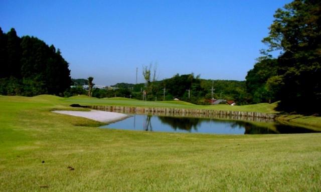 画像3: 【千葉県ショートコース/サンライズゴルフクラブ】木更津で見つけた芝と池と砂が絵になる9ホール!