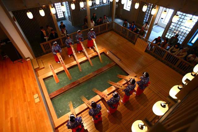 画像: 江戸時代から伝わる「湯もみ」。体験できます!