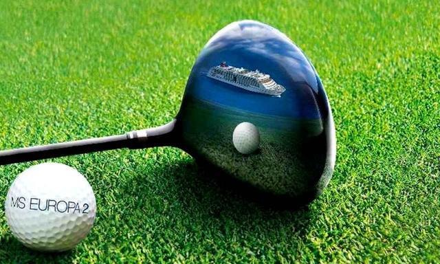 画像: ゴルフコースがセッティングされたクルーズなので、ゴルフバッグの預かりサービスなども充実安心