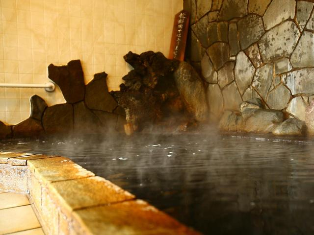 画像: 地下200mから汲み上げられ、数ある中でも泉質が濃い