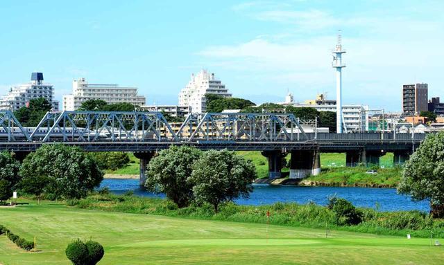 画像: 新幹線だって通過します