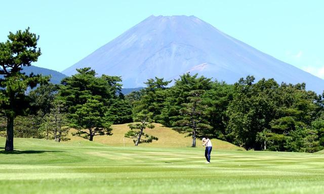 画像: 富士山が大きく見える東名CCが熱戦の舞台