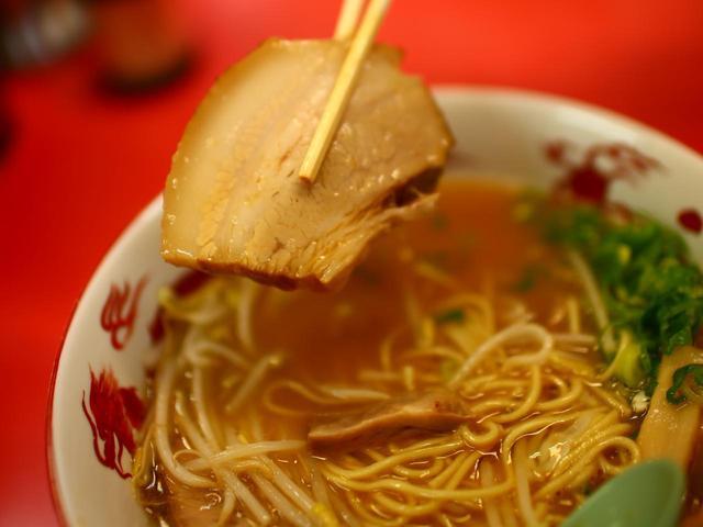 画像: 自慢のチャーシューは、甘辛スープによく合う