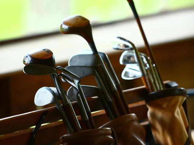 画像: クラブは6本セット。軽井沢プリンスホテルゴルフコースでレンタルできます