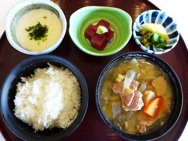 画像: こちらも人気の豚汁定食 1100円