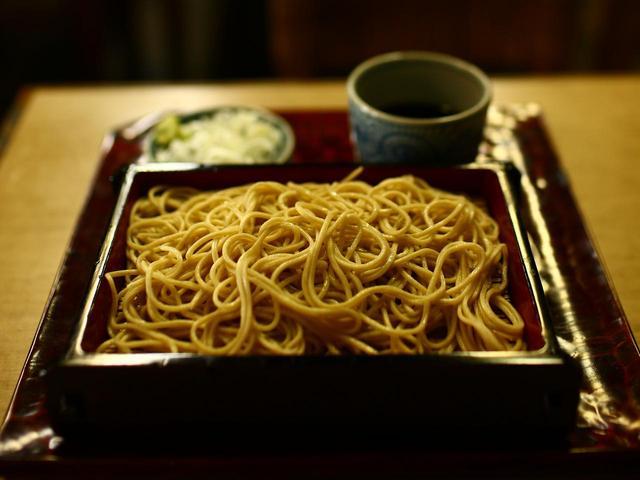 画像: 田舎蕎麦に対して江戸蕎麦。雑味を除き風味を楽しむ