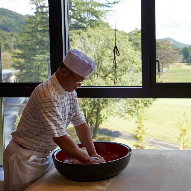画像: 【クラブハウスグルメ】間違いない! このゴルフ場には蕎麦打ち名人がいる。正真正銘の手打ちそば。長野・栃木・群馬の7コースをゴルフ場G麺