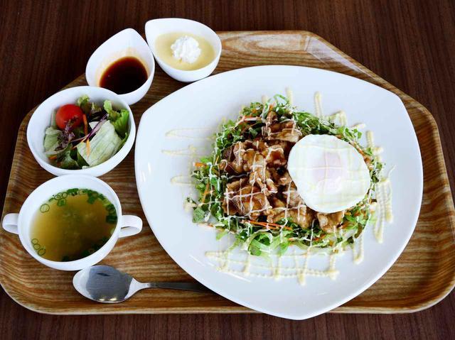 画像: 人気のプレートライス(豚肉と野菜の甘辛ソース丼) 780円
