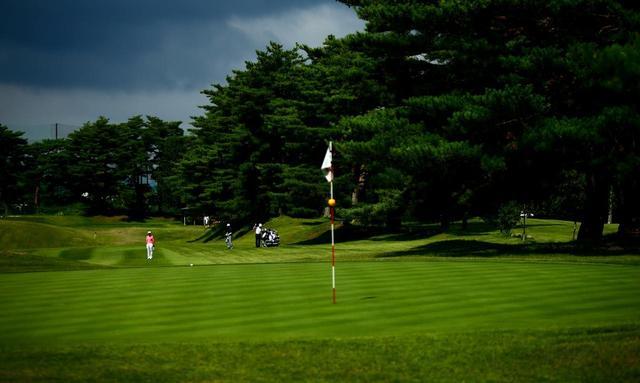 画像: 倶楽部の方針は「歩きゴルフ」。乗用カートはなく、バッグ運搬専用カート