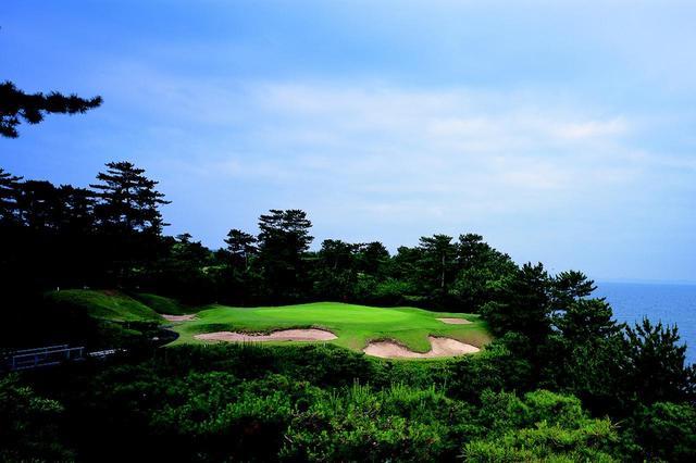 画像: 14番/145㍎/パー3 海風の影響を受ける。ボールが左に出やすい傾向がある