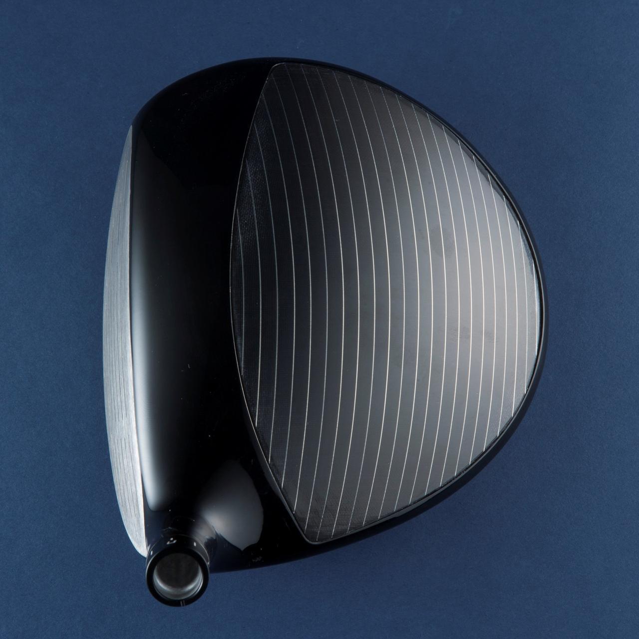 画像: ブリヂストンゴルフ・ツアーB XD-3。カーボン部に入った金属弦が特徴的