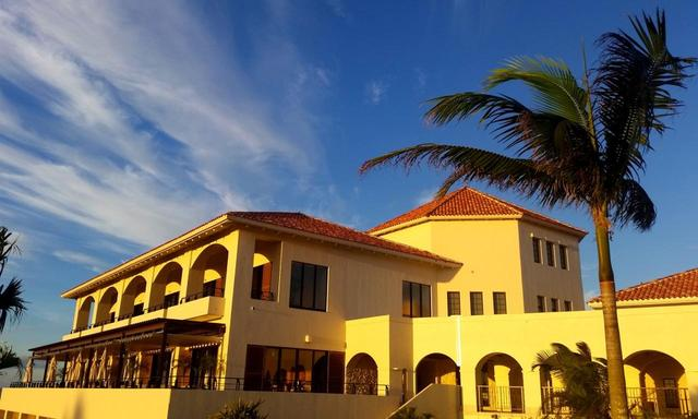 画像: PGMゴルフリゾート沖縄のクラブハウス