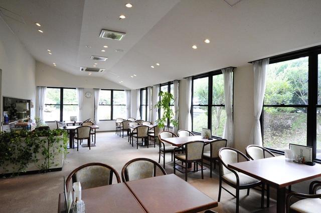 画像: コース内にあるレストラン