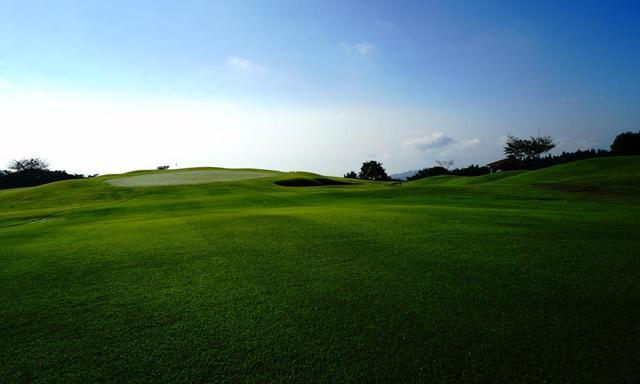 画像: 大分最古のコース、別府ゴルフ倶楽部 14番 613Y パー5