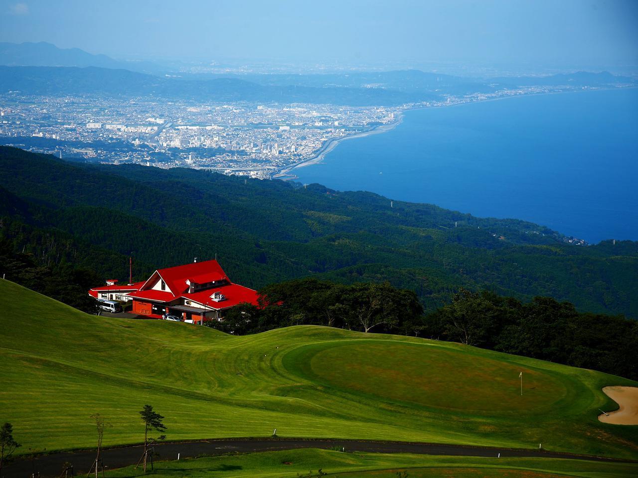 画像: 相模湾を一望できる見事なロケーション。小田原城カントリークラブ