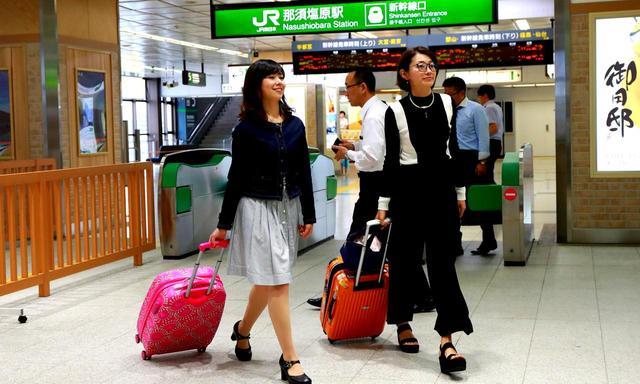 画像: 東京駅7時04分発の新幹線「なすの」に乗れば、8時12分に那須塩原駅に到着
