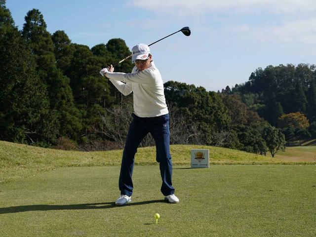 画像3: 【ミート率】ボールを左に置くから体が流れる。ボールはスタンスの真ん中に! 田村流スウェイの直し方