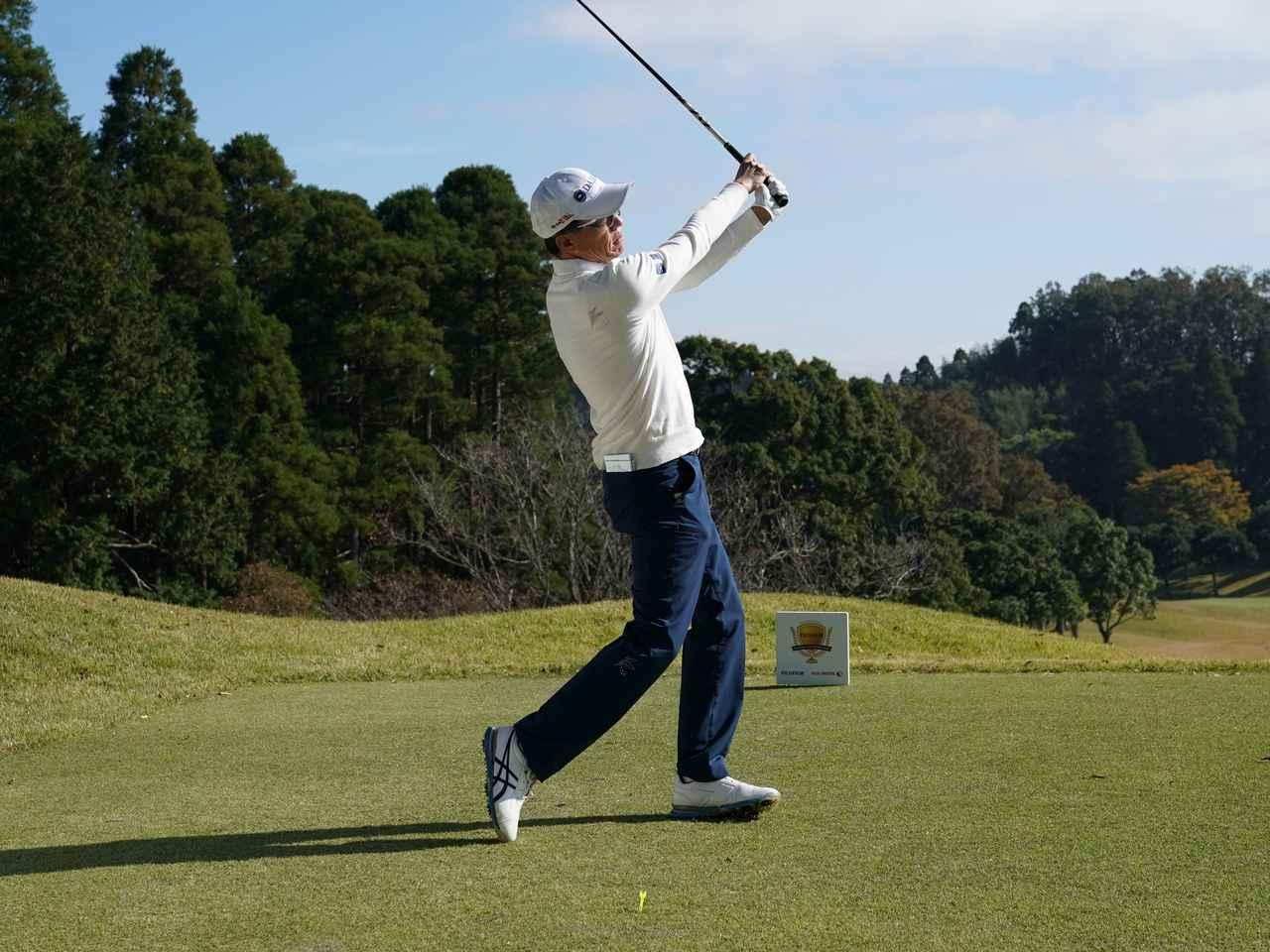 画像6: 【ミート率】ボールを左に置くから体が流れる。ボールはスタンスの真ん中に! 田村流スウェイの直し方