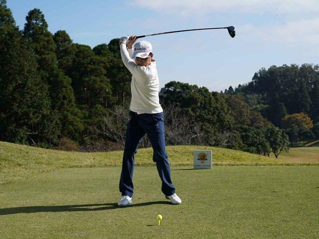画像2: 【ミート率】ボールを左に置くから体が流れる。ボールはスタンスの真ん中に! 田村流スウェイの直し方