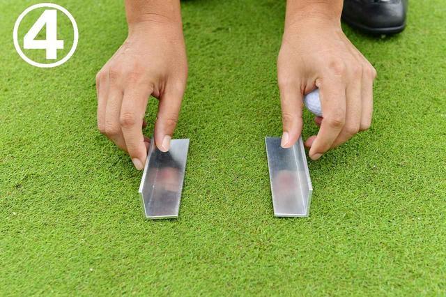 画像: クランプを回転させてそのまま広げていく