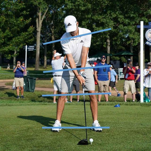 画像: 両肩の傾きは20度近く。両足から両ひざ、腰、肩とラインに徐々に角度がつく理想的な形